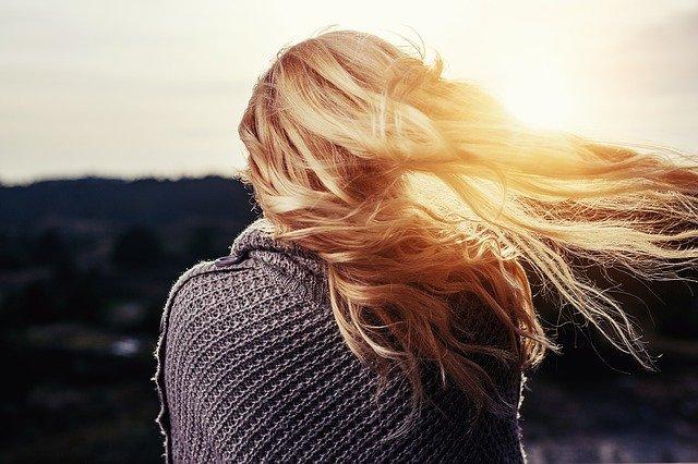 jak wygładzić włosy